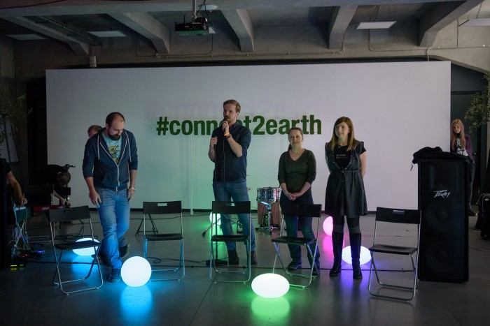 IMPRO Foto: The Bat la Earth Hour (1/3)