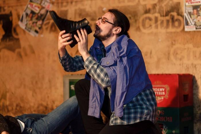 IMPRO Foto: Disertaţia, actoria şi improvizaţia (1/3)